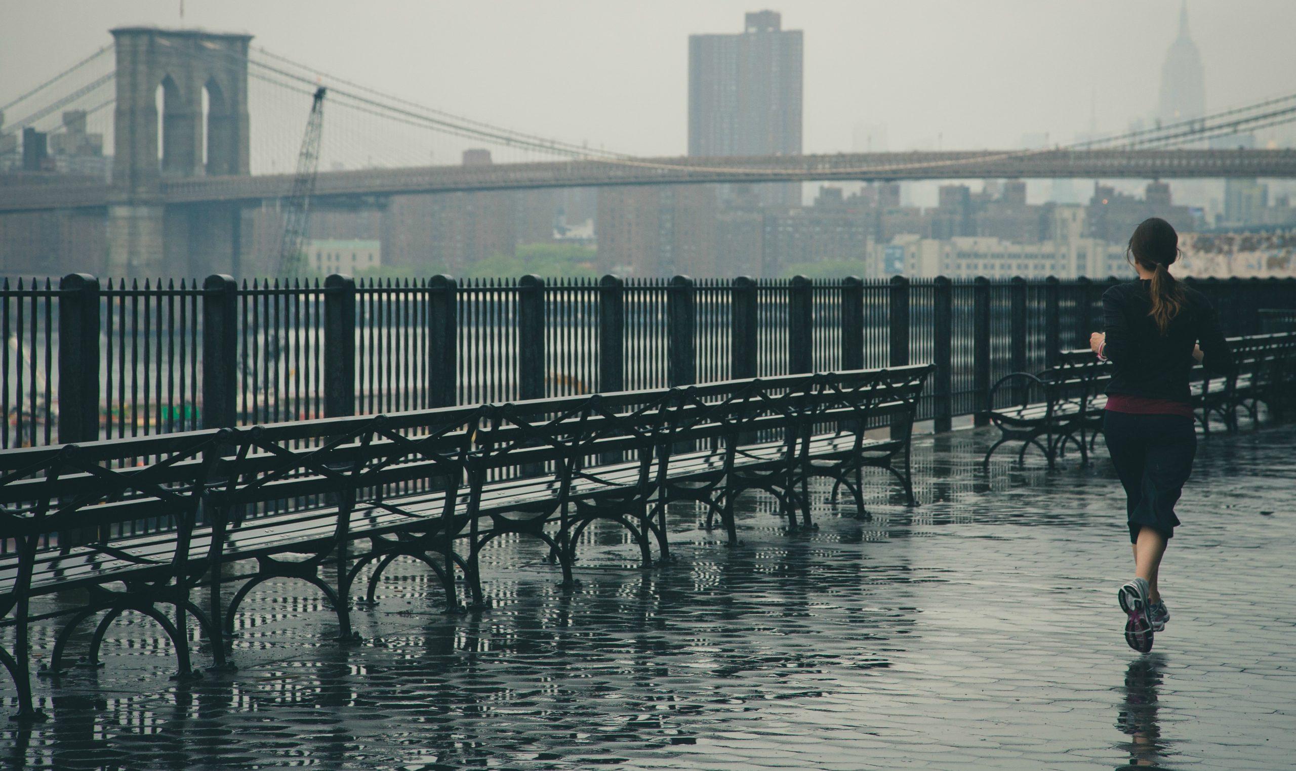 Image of Female Runner Safety RunSmartOnline